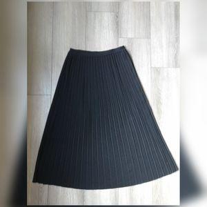 Vintage Ports 100% wool pleated maxi skirt